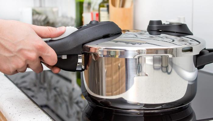 ¿Cuál es la mejor forma de utilizar y conservar mi olla a presión?